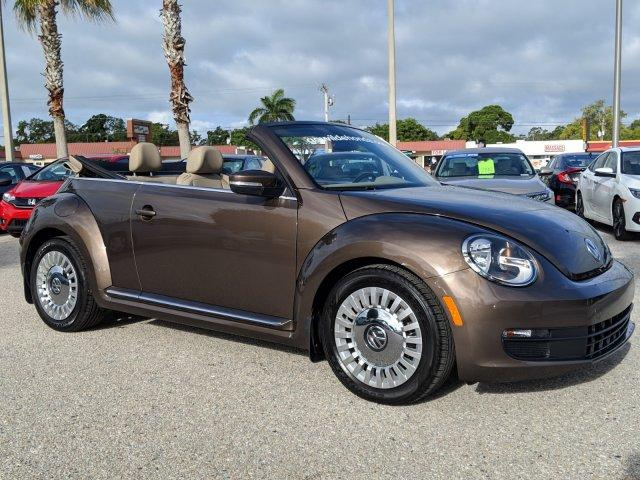 Pre-Owned 2015 Volkswagen Beetle Convertible 1.8T w/Tech
